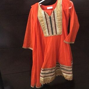 Pretty girls Indian shalwar kamiz with scarf